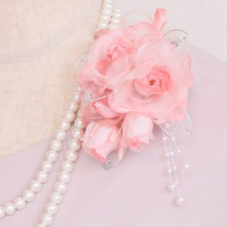 コサージュ   パール 装飾 つき ピンク バラ 蕾 パール 下がりつき コサージュ ケース付き
