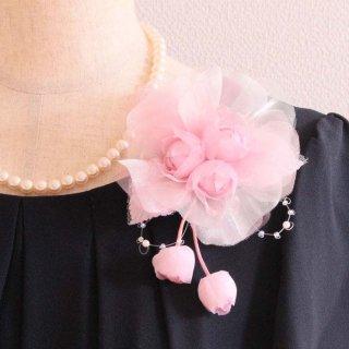コサージュ   パール 装飾 つき ピンク 三輪 蕾 コサージュ ケース付き