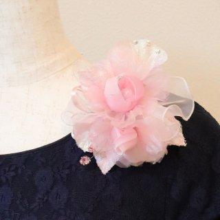 コサージュ   ビジュー ・ ラインストーン 装飾 つき ピンク バラ オーガンジー コサージュ ケース付き