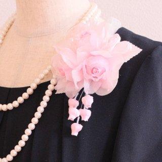 和装 髪飾り   仕様で選ぶ  ピンク バラ 三輪 蕾 コサージュ ケース付き
