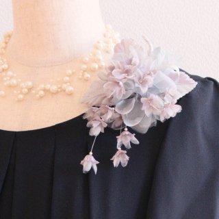 和装 髪飾り   仕様で選ぶ  グレー 灰色 小花 下がりつき コサージュ ケース付き