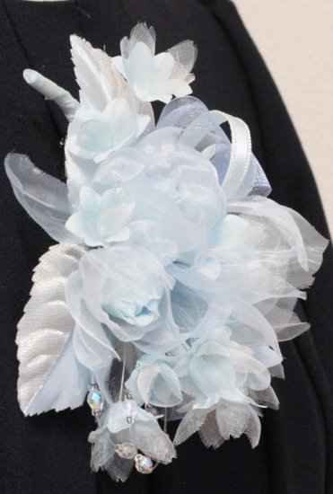 ブルー 水色 小さい バラ 小花 コサージュ ケース付き【画像7】
