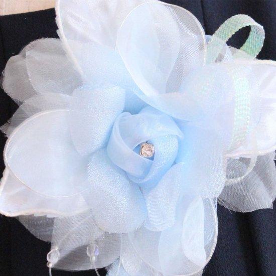 ブルー 水色 バラ 花びら 下がり付き コサージュ ケース付き【画像8】