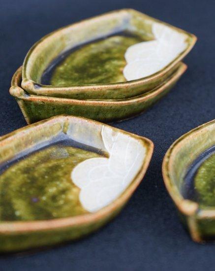 [蔵珍窯]織部舟形 小皿