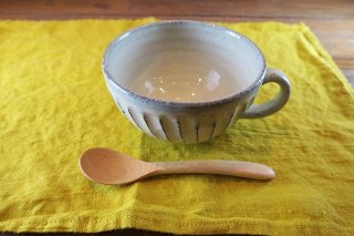 白釉彫スープカップ(信楽焼)
