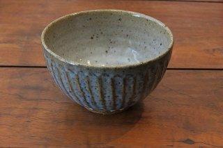 青釉彫飯碗(信楽焼)