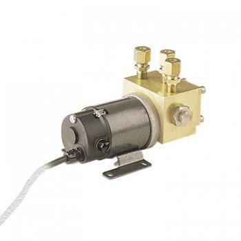 420092<br>Navico RPU-160 油圧ドライブ 12V DC<br> (000-13766-001)
