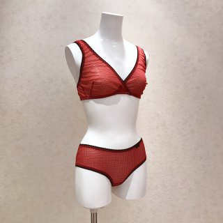 <img class='new_mark_img1' src='https://img.shop-pro.jp/img/new/icons20.gif' style='border:none;display:inline;margin:0px;padding:0px;width:auto;' />(SALE)momoni/Triangle bra&shorts set