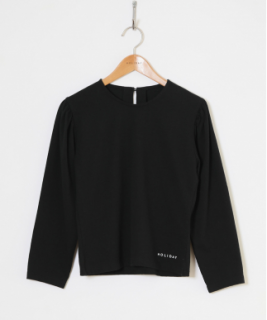<img class='new_mark_img1' src='https://img.shop-pro.jp/img/new/icons6.gif' style='border:none;display:inline;margin:0px;padding:0px;width:auto;' />HOLIDAY / SUPER FINE DRY PUFF TOPS ・BLACK