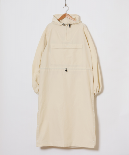<img class='new_mark_img1' src='https://img.shop-pro.jp/img/new/icons6.gif' style='border:none;display:inline;margin:0px;padding:0px;width:auto;' />HOLIDAY / WIND LONG ANORAK ・WHITE