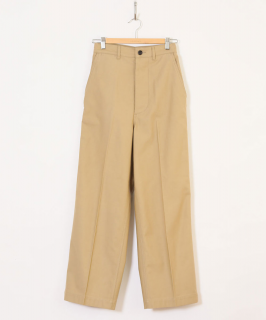 <img class='new_mark_img1' src='https://img.shop-pro.jp/img/new/icons6.gif' style='border:none;display:inline;margin:0px;padding:0px;width:auto;' />HOLIDAY / RESIZE CHINO PANTS・BEIGE
