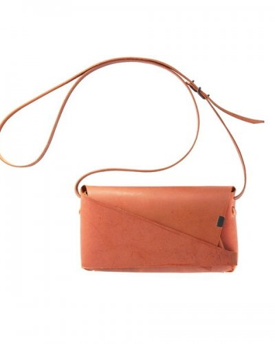 "所作<p></p>""Shoulder Pouch""<p></p>Orange<p></p>"