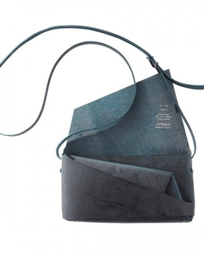 "所作<p></p>""Shoulder Pouch""<p></p>blue<p></p>"