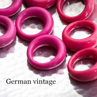 ドイツヴィンテージビーズ 1つ穴リング ピンク 2個  アクリルビーズ  ルーサイト フープ