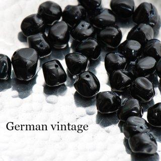 ドイツヴィンテージビーズ 不規則 10mm 黒 6個  アクリルビーズ  ルーサイトビーズ