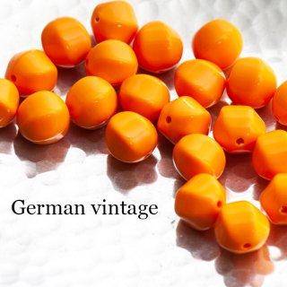 ドイツヴィンテージビーズ 不規則 12mm オレンジ 4個  アクリルビーズ  ルーサイトビーズ