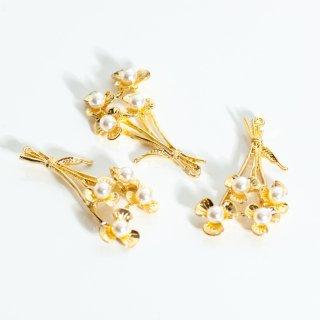 ゴールドのブーケチャーム 2個 花束 メタルパーツ