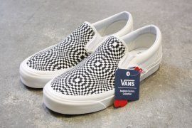 <img class='new_mark_img1' src='//img.shop-pro.jp/img/new/icons7.gif' style='border:none;display:inline;margin:0px;padding:0px;width:auto;' />Classic Slip On 98Dx(Anaheim Factory) / VANS(ヴァンズ)