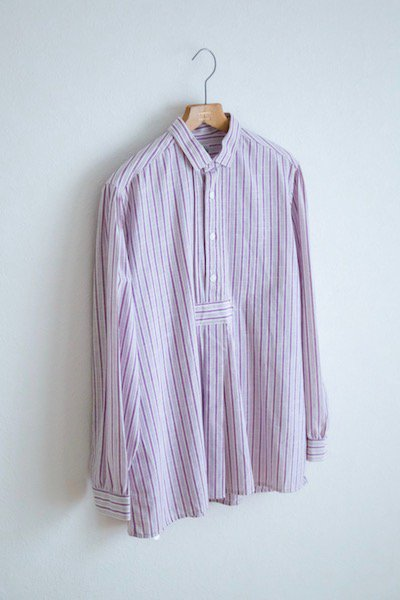 <img class='new_mark_img1' src='//img.shop-pro.jp/img/new/icons23.gif' style='border:none;display:inline;margin:0px;padding:0px;width:auto;' />Deadstock Austrian alpain striped shirt