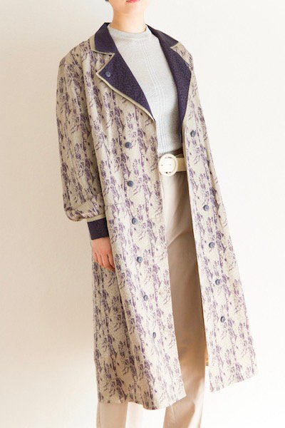 Abstract pattern satin coat
