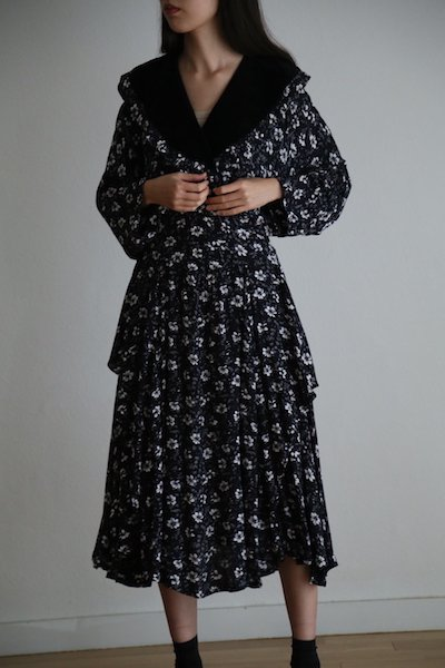 Velvet collar flower dress
