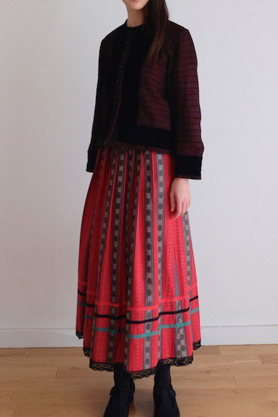 Spunky red Tyrolean skirt