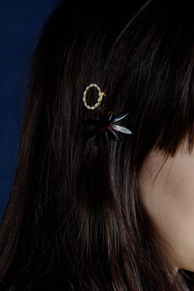 Tiny round shape hair barrette
