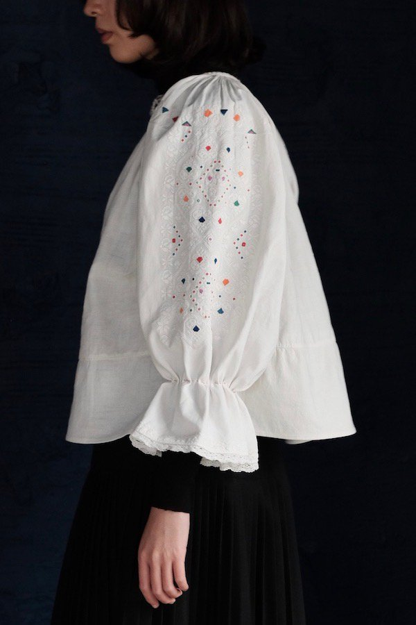 Kompeito embroidered pullover blouse from Western Romania