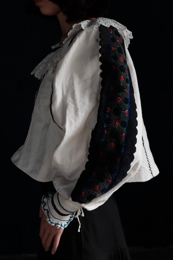 Romanian embroidered pullover blouses with frilled collar