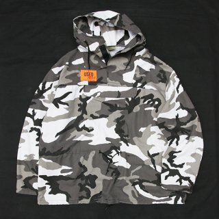 <img class='new_mark_img1' src='https://img.shop-pro.jp/img/new/icons5.gif' style='border:none;display:inline;margin:0px;padding:0px;width:auto;' />1990s Mountain Anorak_City Camo,Made in USA,Used【L】