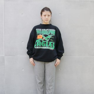 <img class='new_mark_img1' src='https://img.shop-pro.jp/img/new/icons5.gif' style='border:none;display:inline;margin:0px;padding:0px;width:auto;' />1990s NFL Philadelphia Eagles Graffic Sweatshirt_Black,ASW1,Used【XXL】