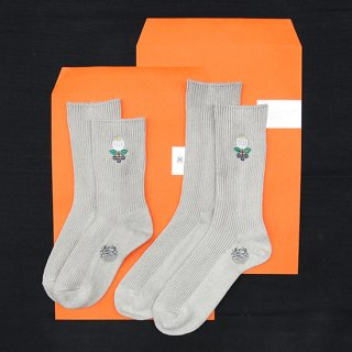 <img class='new_mark_img1' src='https://img.shop-pro.jp/img/new/icons5.gif' style='border:none;display:inline;margin:0px;padding:0px;width:auto;' />My Loads Are Light x Alwayth/Charcoal Flower Socks Made in Japan
