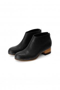 FEIT - BI-COLOR CEREMONIAL MID HEEL BOOTIE - BLACK
