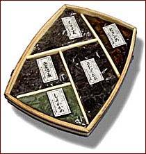折箱詰合せ (きくらげ、塩吹き昆布(細切り)、さんしょう昆布、お茶漬の友、しそわかめ(国産))