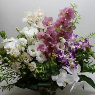 お供えアレンジメント 生花店のおまかせ御供アレンジ 仏事・法事のお供え花としてお使い頂けます