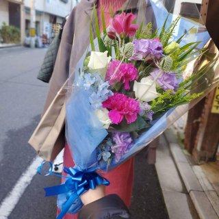 色が選べる3000円おまかせ花束(ワンサイドブーケ)