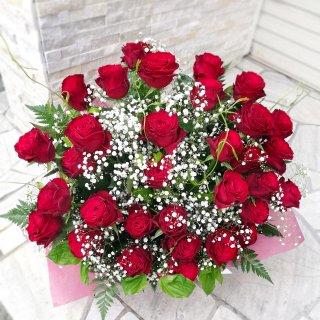 【市内配達のみ】赤バラとかすみ草の大アレンジ