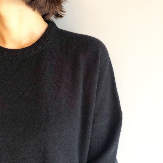 CASHMERE Basic Tops<BR>BLACK