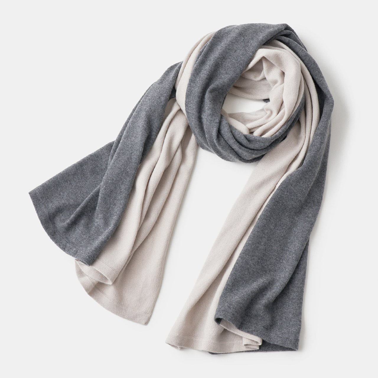 CASHMERE BI‐COLOR STOLE<BR>PALE JUTE × CHARCOAL GREY