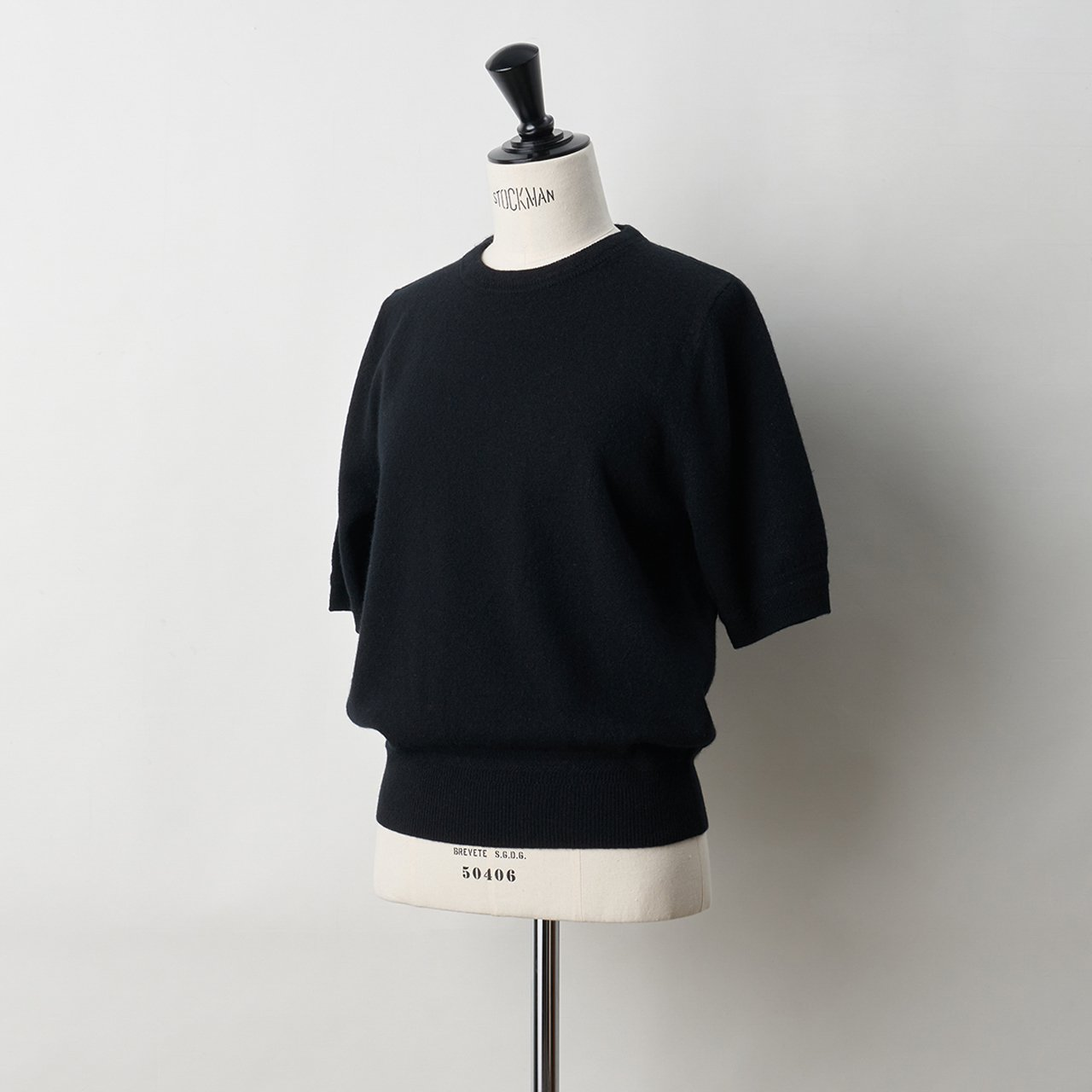 CASHMERE BASIC HALF SLEEVE TOPS<BR>BLACK