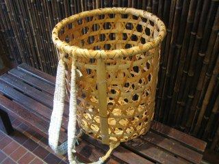 竹製背負い篭(六つ目)小(かごめ)