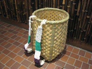 竹製背負い篭(四つ目)中