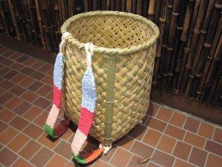 竹製背負い篭(四つ目)大