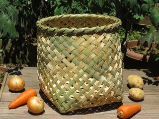 竹製野菜かご(四つ目)大(底四角)