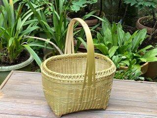 竹製磨き手付き篭(縁えび)小判(足付)