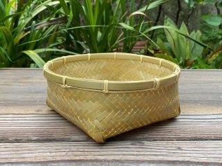 竹製磨き丸かご(底四角)アジロ編