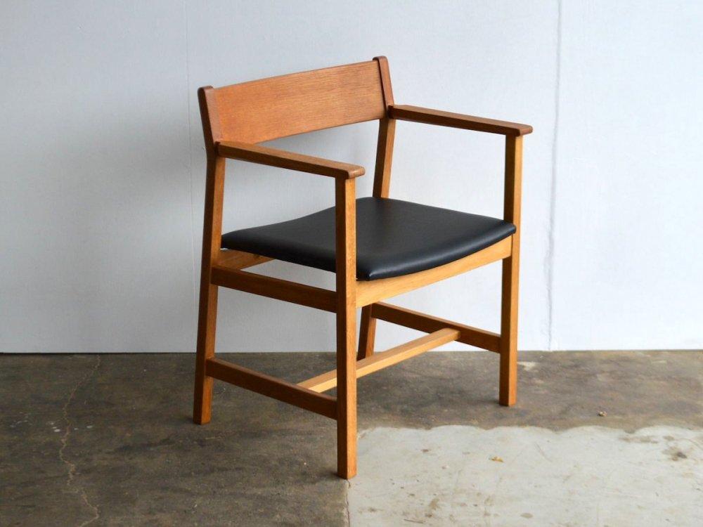 Chair(13)