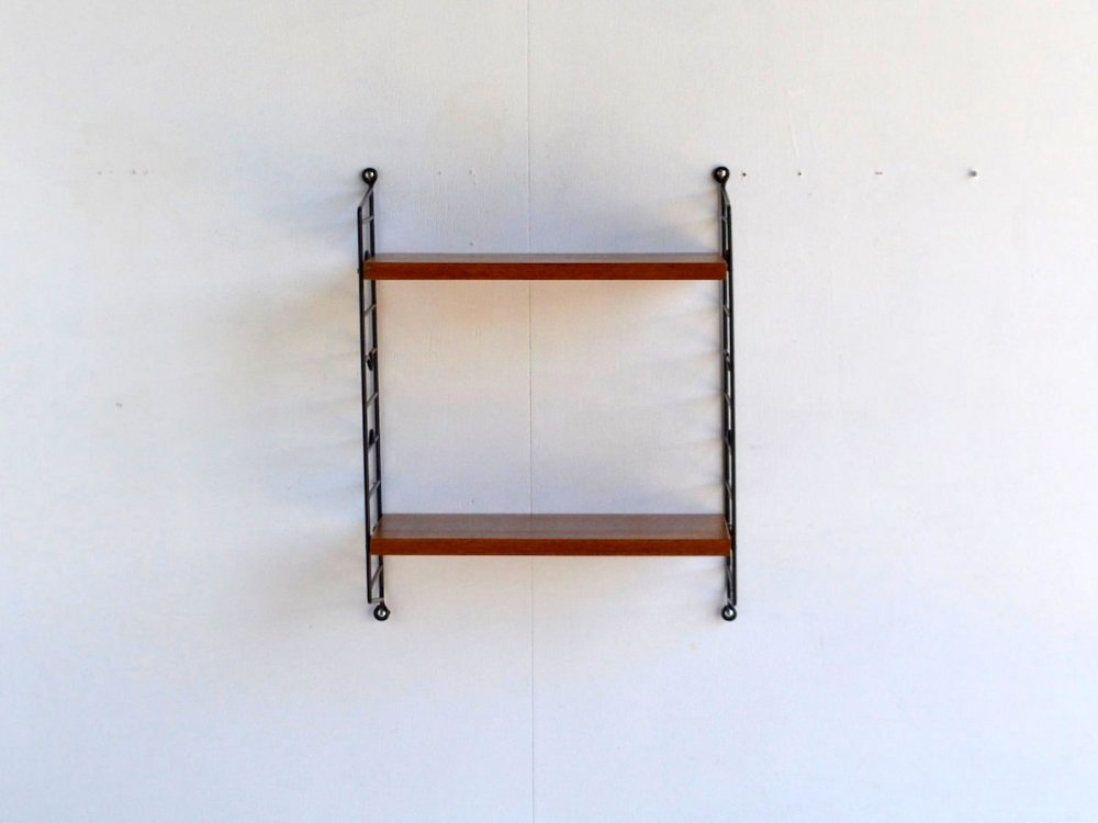 Wall Shelf/ String