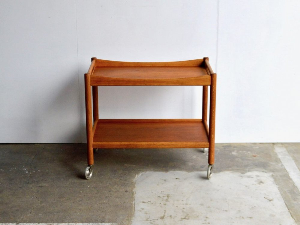Wagon Table / AT45