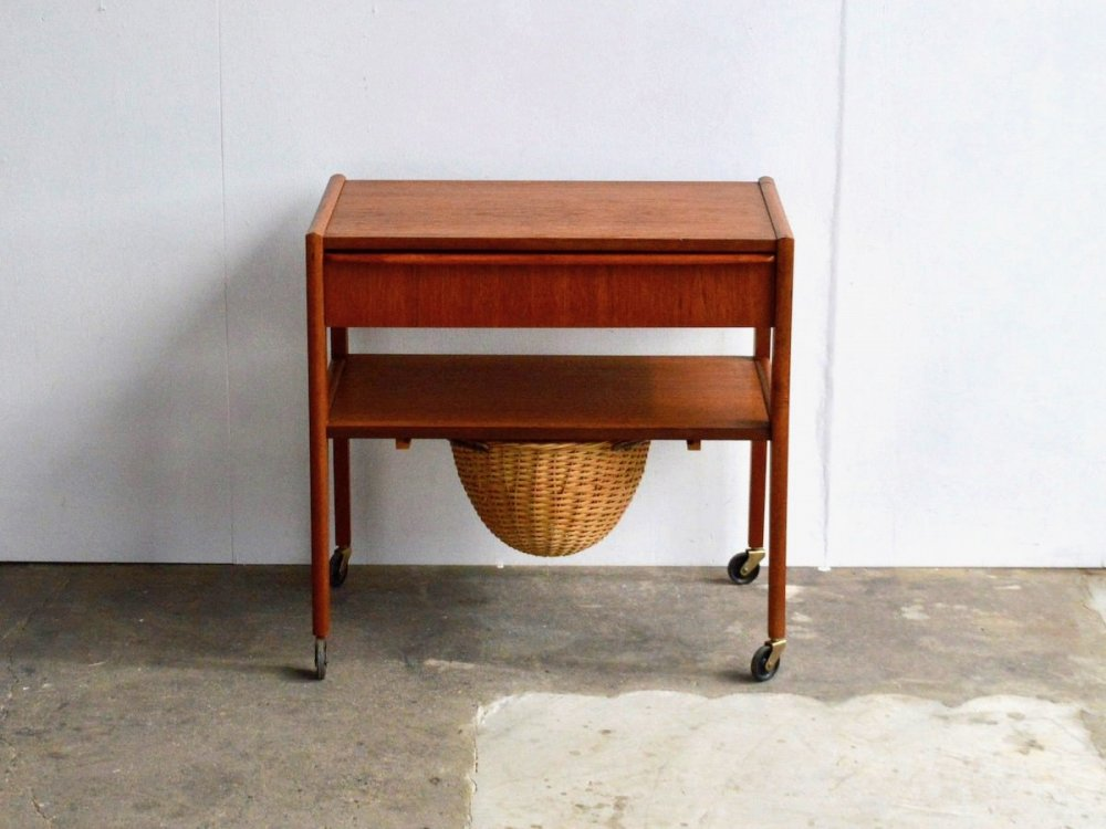 Sewing Table (8)